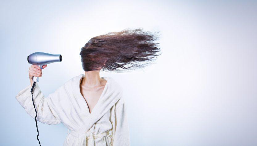 7 כללית לשמירה על שיער בריא ומבריק בקיץ ישראלי